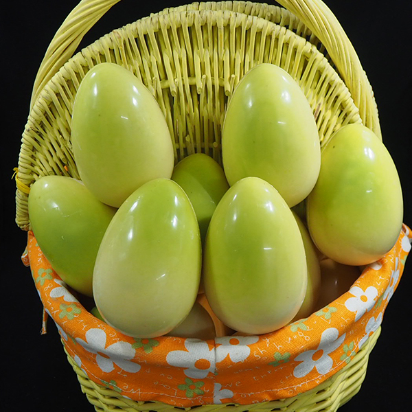 Huevo de Pascua de chocolate colores