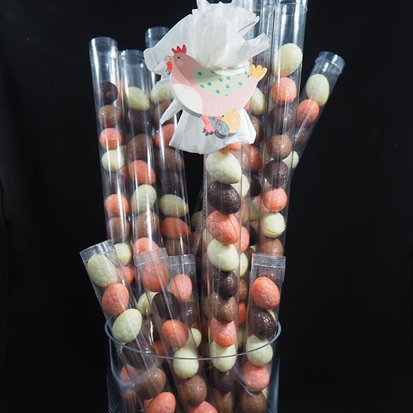 tub de mini ous de xocolata artesà farcits