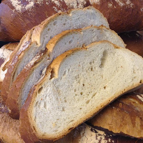 pa rodó de farina blanca tallat a llesques