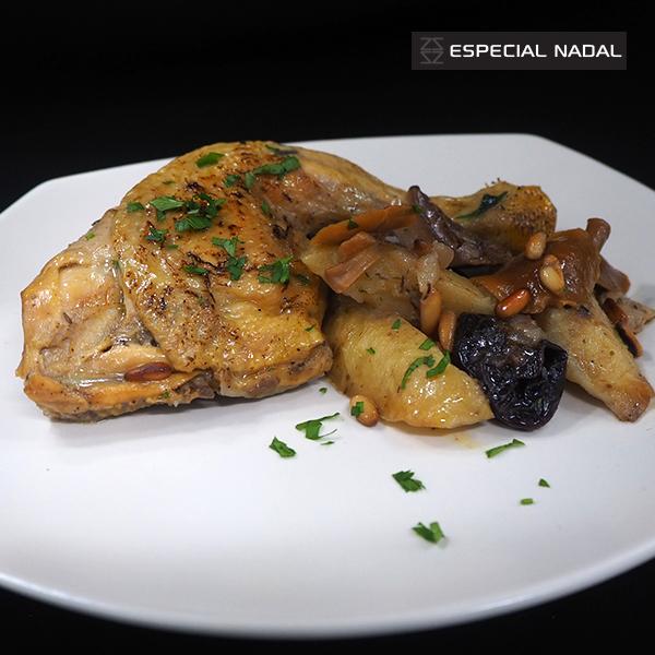 Pollastre amb patates, prunes i bolets