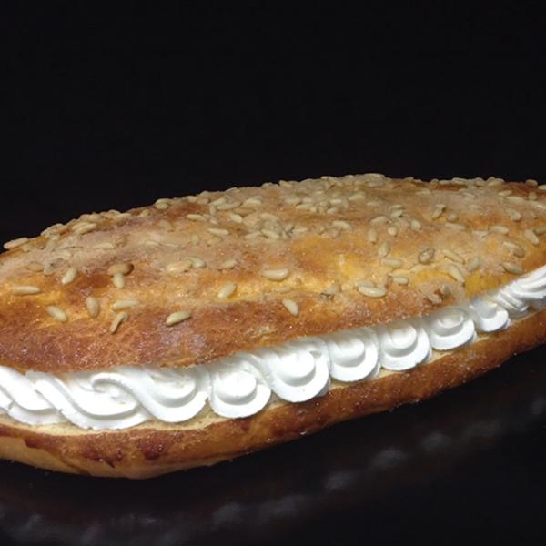 coca de brioix farcida de nata